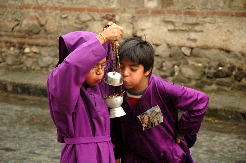 01 - Kids Blowing Copal Flame