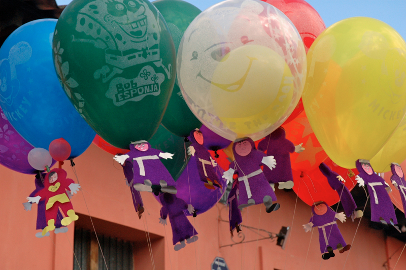 16 Balloons