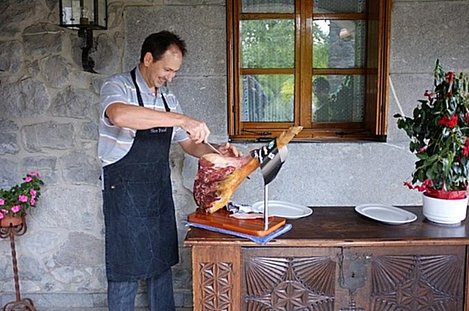 Heritage-Ham-at-Pellos-Place-in-N-Spain-e1456597929640-concentrate